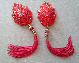 "Red fire teardrop burlesque pasties, nipple tassels: The ""Light My Fire"""
