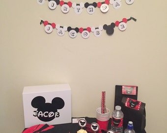 The MICKEY MOUSE Perfect Parties Kit