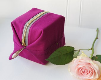 Cotton cube sanitary pad pouch / Natural Toiletry Bag / Cosmetic Bag / Cosmetic Case / Sanitary Pouch / Pad Case / Girl's Pouch