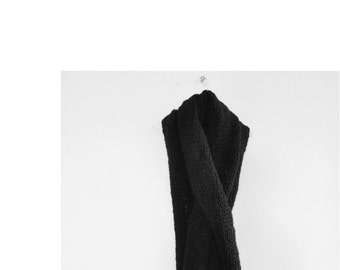 ON sale-30% - scarf Xl Black wool with passing, HENRI