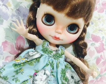 "Thump up""Victoria"" ooak  Blythe custom doll"