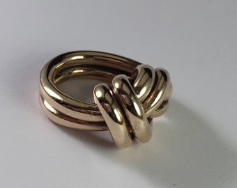 Ring knot, polished bronze, large, dual flush. Section of the two-wire 3.3 mm  for symbolic gift ring, nautical style ring