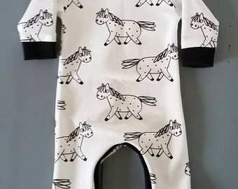 Boxpak baby, playsuit, jumpsuit with horses