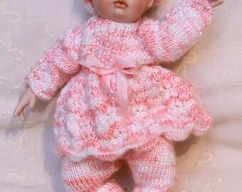 Smock top, hat and leggings knitting pattern