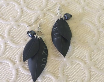 Industrial Leaf Earring - black pearlescent beads
