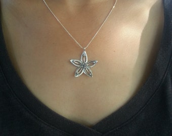 925 silver pendant necklace , flower pendant
