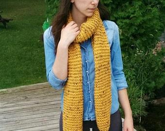 Chunky Knit Scarf with Pom Poms / Balzac Scarf