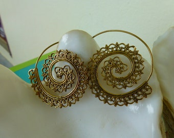 48H delivery - Hoop earrings gold - spiral Cosmos - carved lace - Boho chic finish