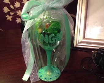 Glitter glass with gift wrap