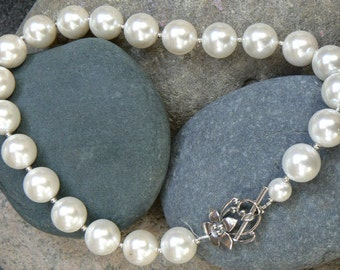 Shell Pearl - Necklace - Pearl - White - Sterling Silver Clasp