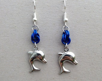 Double spiral knot dolphin chainmaille earrings