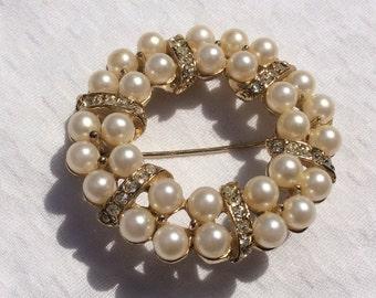Vintage pearl & rhinestone wreath brooch