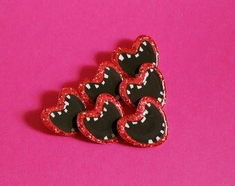 Screaming Valentine Glitter Brooch