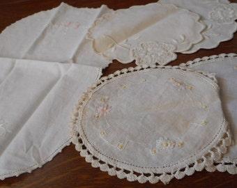 Lot of 5 VINTAGE Scrap Linen Lace Doilies   CD5
