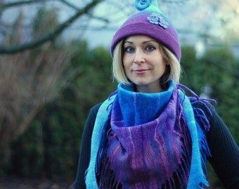 Amazing gift- elf hat and scarf set MADE TO ORDER custom colors made of merino wool