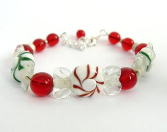 Red and Green Candy Bracelet, Peppermint Candy Christmas Bracelet, Holiday Jewelry, Colorful Beaded Bracelet