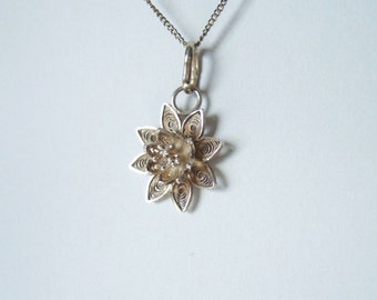 Real Silver Filigree Flower Pendant - Vintage 1970s Pendant Necklace in 925 Silver