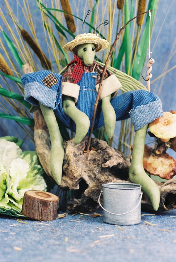 Mailed Cloth Doll Pattern 24in Country Boy Grass Hopper