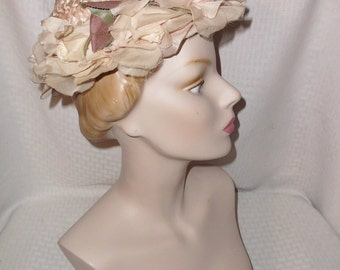 50s 60s Vintage Pink Cellophane Straw Pixie Hat with Roses