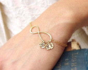Personalized Infinity Bracelet, Mothers bracelet, Friendship bracelet, Infinity initial bracelet, mothers jewelry, Sterling silver or gold
