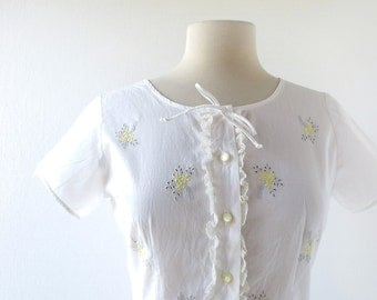 1950s White Blouse | Nosegay | Embroidered Blouse | 50s Blouse | XS S