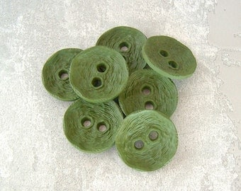 Rustic Green Buttons, 22mm 7/8 inch - Wacky Kale Green Plastic Sewing Buttons - 7 VTG NOS Eccentric Chiseled Green Plastic Buttons PL314