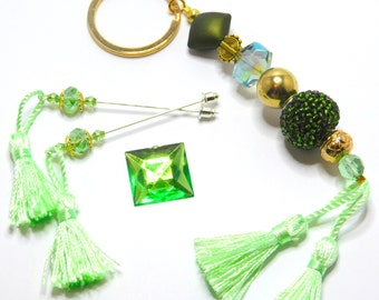 Deluxe cross stitch gift set, Needlecraft accessories, Scissor fob keyring, Needle minder, Counting Stick Pins, Green Fob, Bag Charm