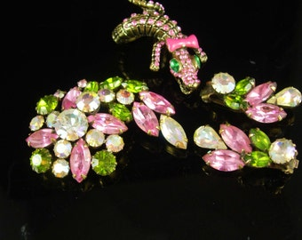 Vintage stunning signed Weiss Brooch earrings & matching lizard ring clip on earrings rhinestones parure