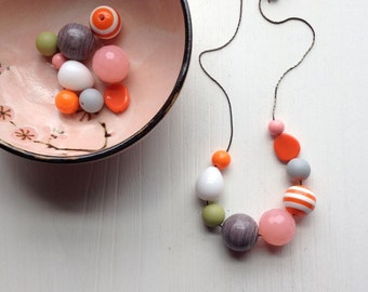 boardwalk necklace - vintage lucite - beach colors - summer stripes orange pink
