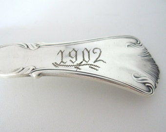 Victorian Engraved 1902 Serving Fork, Marcella aka Clifton by Wm A Rogers, Silverplate