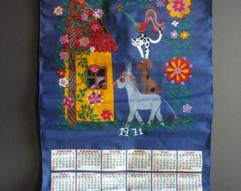 Vintage Calendar Tea Towel - 1971 Year Calendar Kitchen Towel with Animal Design - German