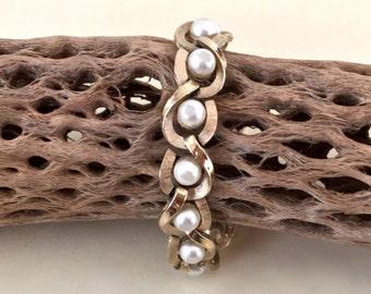 Vintage Crown Trifari Pearl Bracelet