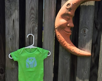 Owl Baby Bodysuit, Owl Baby Gift, Baby Owl Gift, Gender Neutral Baby Gift, Green Baby Gift, Green Owl Baby Bodysuit (3 months)