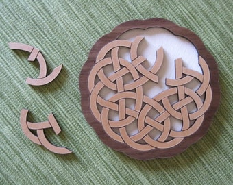 Interlace Pretzel Celtic Puzzle