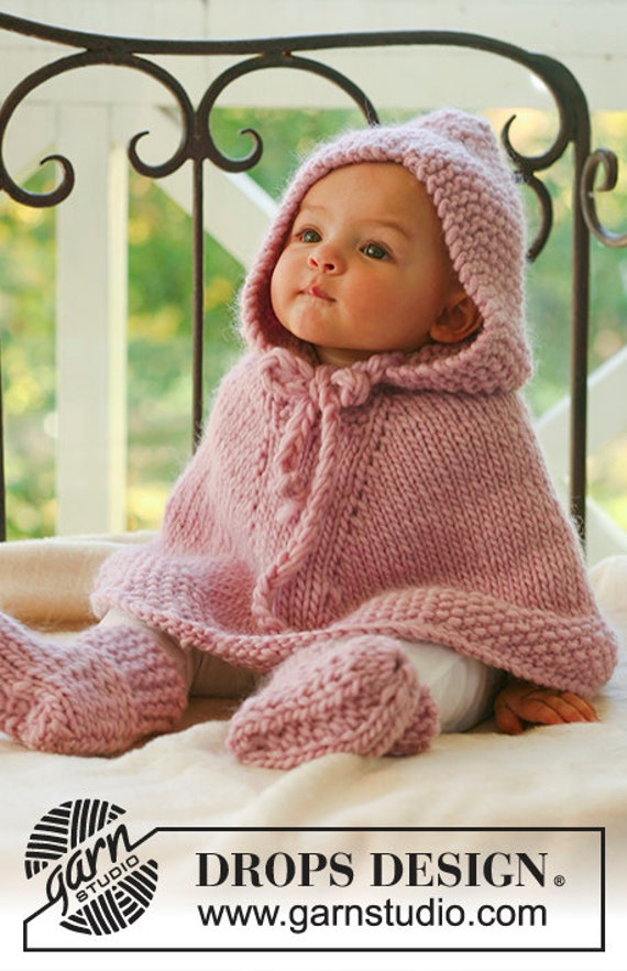 Knit baby poncho. Hooded poncho. Baby girl clothes. Baby girl gift. Baby gift Knit baby cape. Children clothing. Wool cape. Baby shower gift