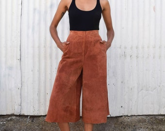 Vintage Suede 1990's High Waisted Terracotta Minimalist Wide Leg Culotte Shorts Pants S 26