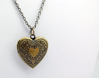 Floral Heart Locket Necklace in Antique Brass - Heart Necklace, Locket Necklace, Steampunk Necklace, Valentine's Day Gift, Limited Edition