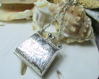 Sterling Silver 3D Etched Purse Locket Kiss Lock Closure 5.44 grams