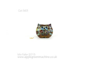 Lampwork glass cat bead 563