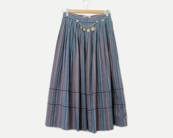 metal coins 50's pleated trachten skirt /// woven stripes /// cool blues purple /// prairie gypsy dirndl /// by Aigner made in AUSTRIA