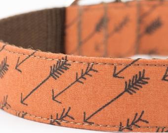 Arrows Dog Collar in Cinnamon