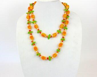 "Vintage 60s Flower Bead Necklace Orange & Green Plastic Flower Beads 24"" Necklace"