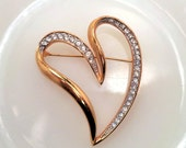 Large Vintage Gold Tone Heart Brooch with Rhinestones