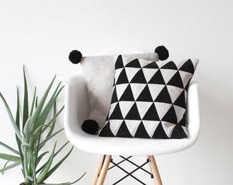 Triangles applique linen pillow No. Pa-101, Pa-102