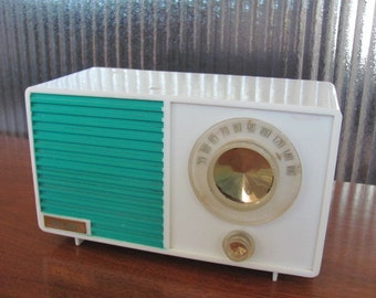 Vintage 50's Teal and White Plastic Table Top Devry AM Radio - Music - Transistor Radio - Electronics - Audio - Techie