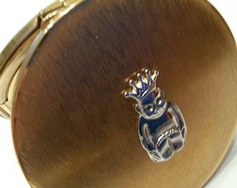 "Stratton Powder Compact; Rondette; Featuring A Rare ""Lucky Billiken"" circa 1950's-1970's   DR236"