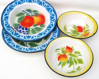 Vintage Enamel Bowls Enamelware Fruit Dishes Graniteware Metal Bowls Lot of 4 Blue Yellow