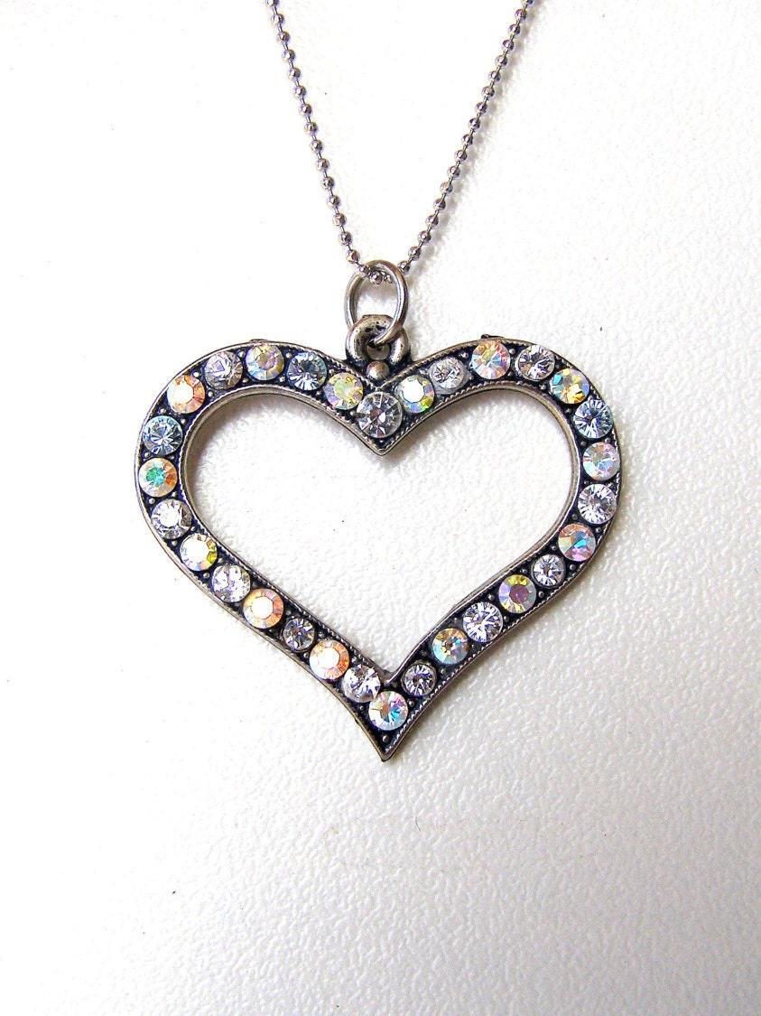 heart shaped necklace swarovski crystal pendant necklace. Black Bedroom Furniture Sets. Home Design Ideas