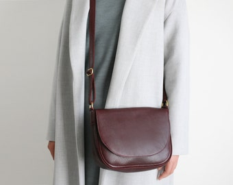 Saddle Bag Bordeaux Leather, crossbody bag, minimalistic shoulder bag, medium cross body bag