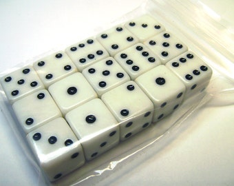 12 Vintage White Plastic Dice Standard 6-Sided Dice 5/8""